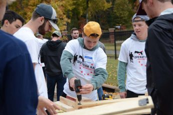 Students Collaborate to Help Local Veterans