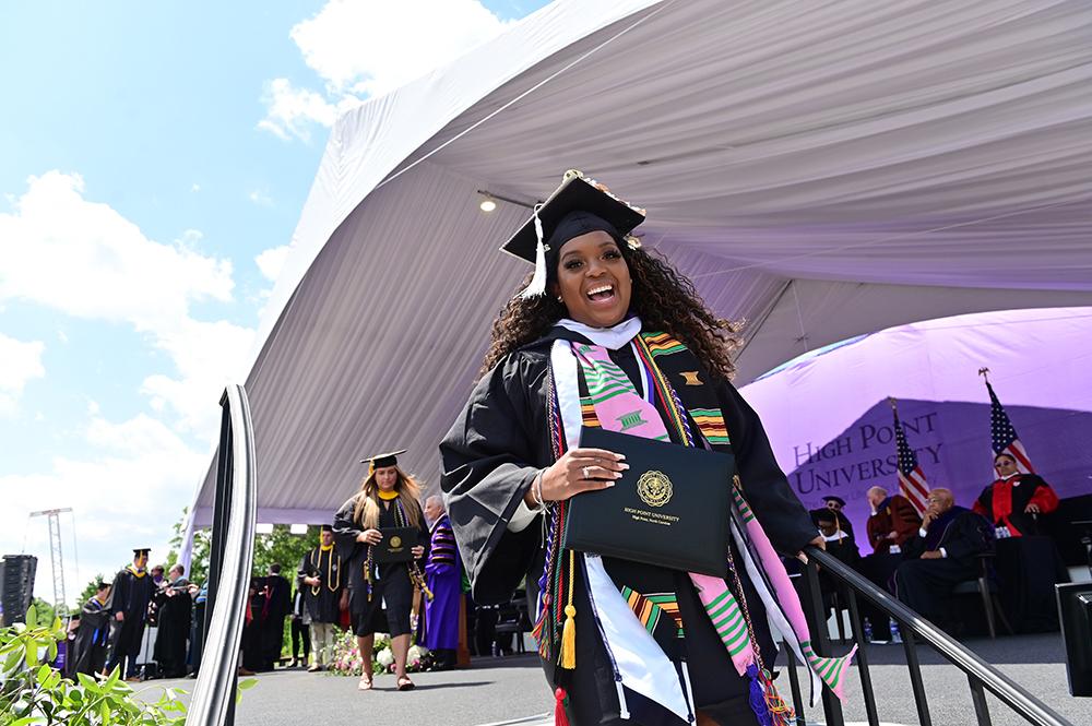 4 HPU Graduates