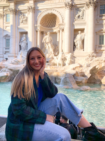 Class of 2020 Outcomes: Isabella Robino Learns Luxury Brand Management in Italy