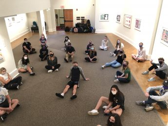HPU English Students Engage in Experiential Learning Opportunities