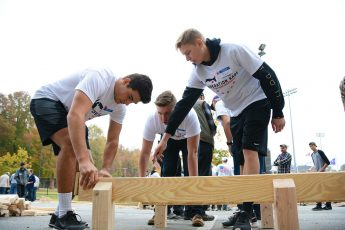 HPU Student Organizations and Community Members Build Beds for Local Veterans