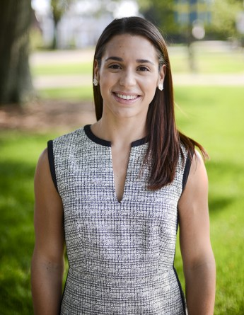 HPU Adds Dossantos to Office of Undergraduate Admissions