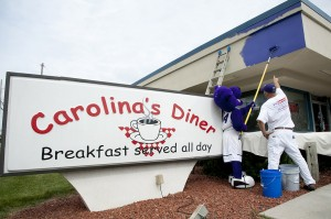 Prowler helps paint Carolina's Diner.