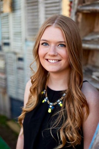 Class of 2015 Outcomes: Caroline Durkee Creates Graphics for Clients