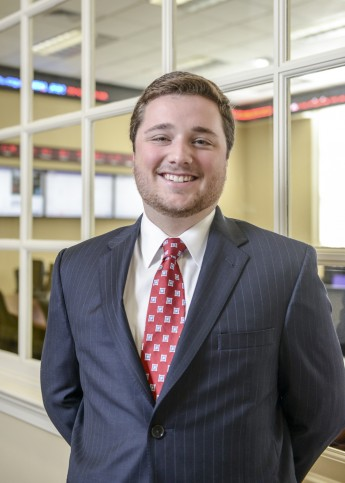 Class of 2016 Profile: Chas Bassing Creates Financial Plans
