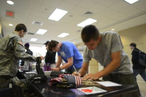High Point University students write letters to troops