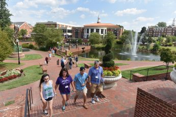 HPU's Fall Family Weekend Welcomes Thousands to Campus and City