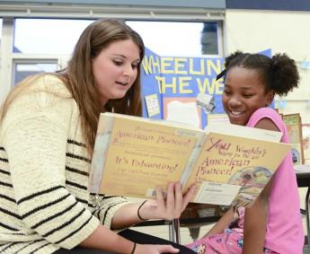 Education Majors Host Literacy Night at Florence Elementary