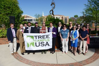 HPU Receives 'Tree Campus USA' Award at Arbor Day Celebration
