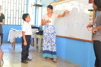Students Teach English to Children and Adults in Costa Rica Over Spring Break