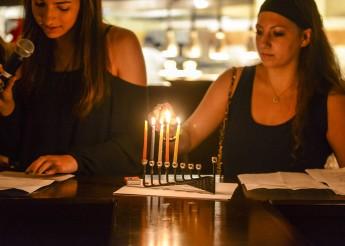 Students Celebrate Jewish Traditions at Hanukkah Dinner