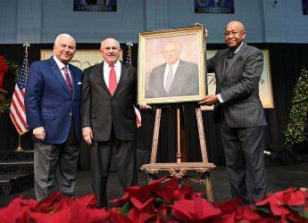 HPU Honors Former Board of Trustees Chairman Jack Finch
