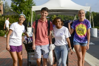 HPU Brings Thousands to the City for Move-In Day