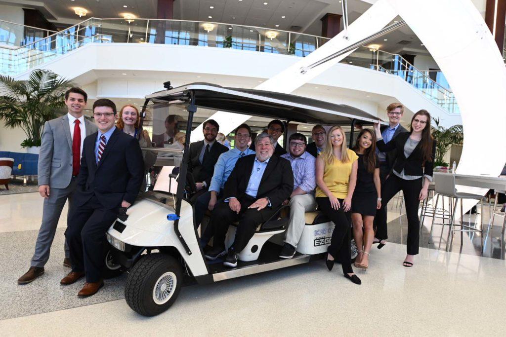 Steve Wozniak mentors HPU students