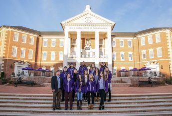 They're Off: HPU Students Depart for Presidential Inauguration