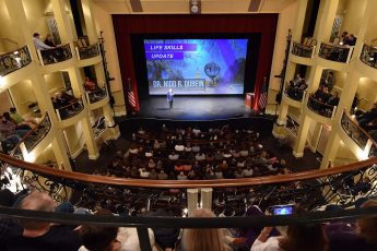 HPU Welcomes 5,000 to Winter Family Weekend