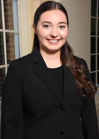 Class of 2021 Outcomes: Kayla Cast Finds a Future in Finance