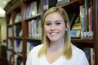 Junior Presents Research at Conference for Graduate Students