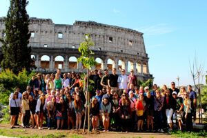 All 55 HPU students, parents, alum, faculty and staff outside of the Colosseum.