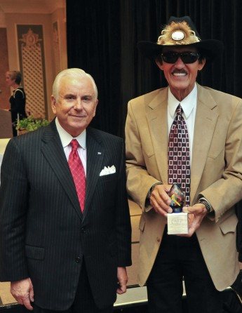 HPU President Nido Qubein Delivers Keynote Address at Triad Philanthropy Day Awards