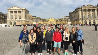 Students Photograph Paris During 'Maymester' Trip