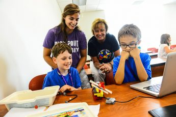 Grant Funds Middle School Robotics Competition at HPU