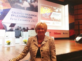 Professor Discusses Education Strategies at International Conference in Colombia