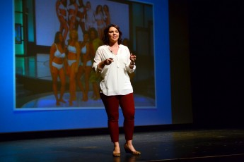 Dove 'Real Woman' Stacy Nadeau Visits HPU