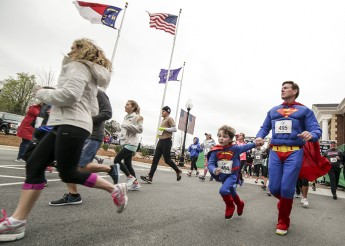 Kappa Delta Sorority and Family Service Raise $25,000 at Super Hero Dash