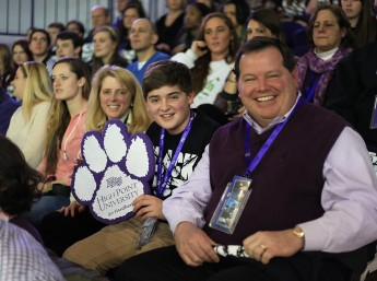 HPU Welcomes 5,000 for Winter Family Weekend