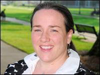 Professor Presents Teaching Linguistics Research