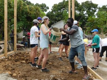 HPU Students Spend Spring Break Serving Haiti and Houston