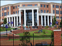 HPU Welcomes Students Back To School With Freshman Orientation And Move-In Weekend
