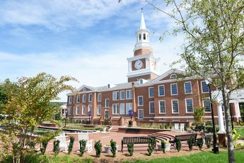 Three HPU Faculty Members Receive Standout Awards at Opening Convocation
