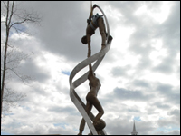Human Link Sculpture Installed at High Point University