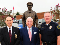HPU, Community Celebrate Unveiling Of Memorial Statue