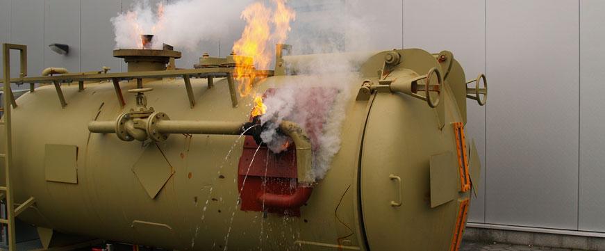 871x361-upper-banner-hazmat-tank-spill-2