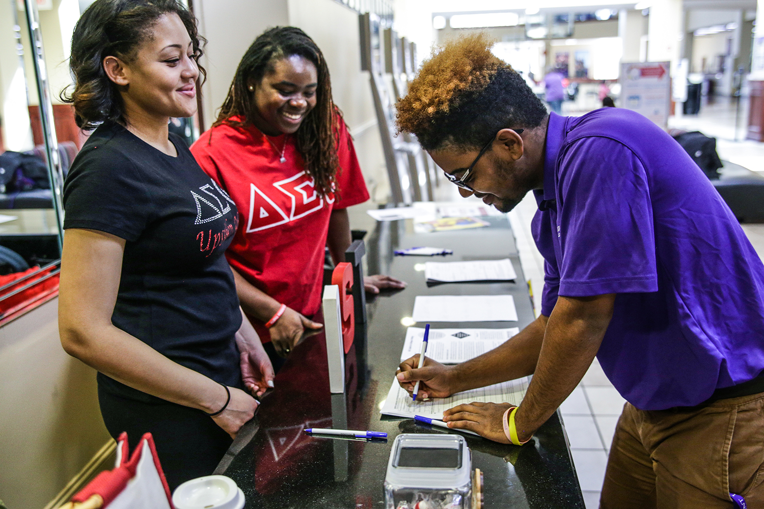 HPU's Delta Sigma Theta chapter held a voter registration drive in the Slane Student Center.