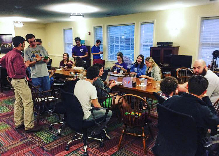 HPU Honors students worked with puzzles during Honors Salon. Throughout the semester these students and faculty meet to share ideas over dinner and an activity.